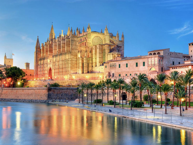 Cathedral of Palma de Mallorca. Taximallorca365